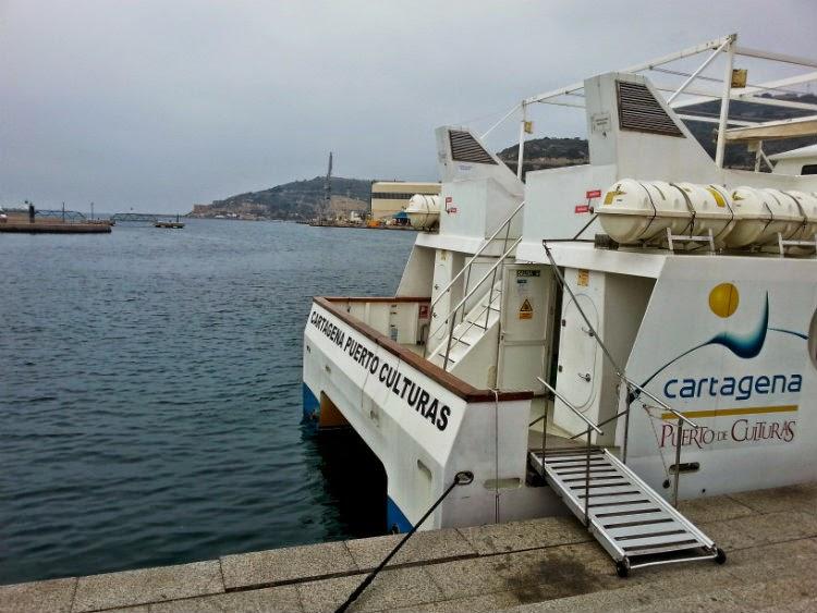 Bahía de Cartagena barco turístico