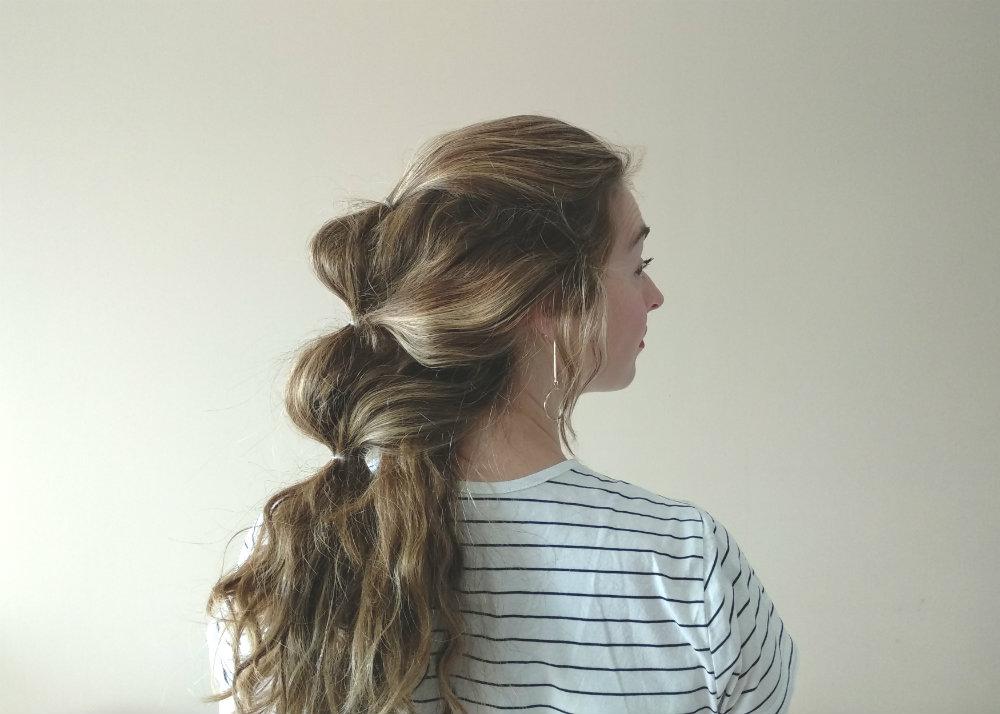 Peinado particiones cabello con coletas